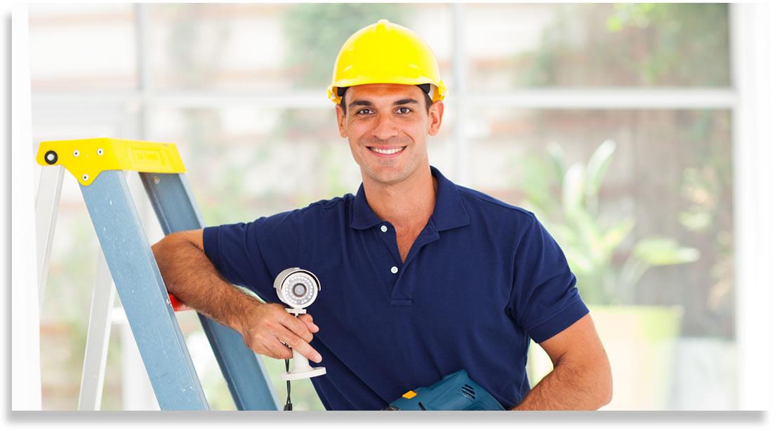 Técnico en mantenimiento de cámaras de seguridad